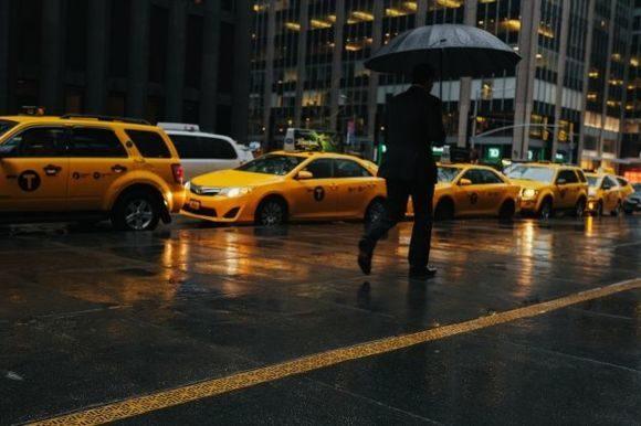 Как устроиться в такси и работать на своем авто