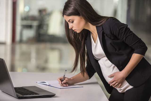 Входит ли декретный отпуск в трудовой стаж