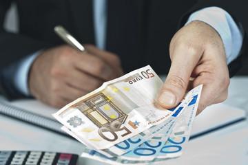 номинальная и реальная заработная плата в чем различия